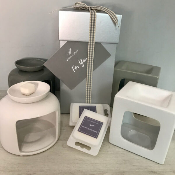 Gift Box - Wax Burner & Melts